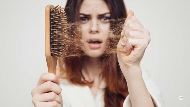 Seu cabelo está caindo? Confira os tratamentos mais comuns para evitar a queda dos fios!