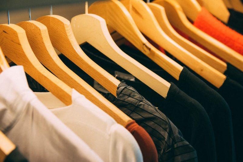 8 Dicas para organizar o guarda-roupa